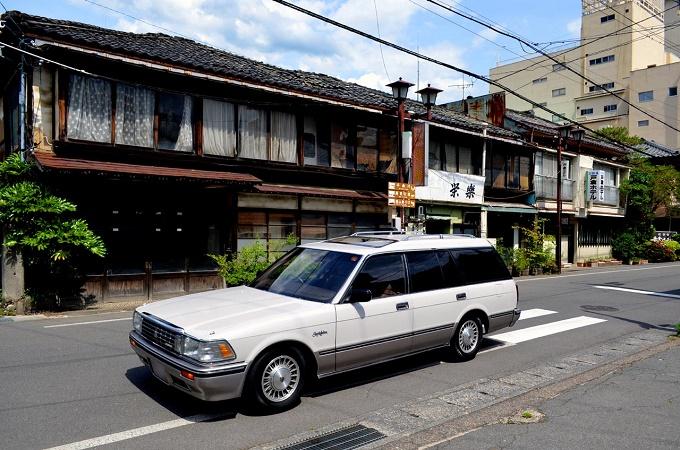平成2年 トヨタ クラウンワゴン ロイヤルサルーン
